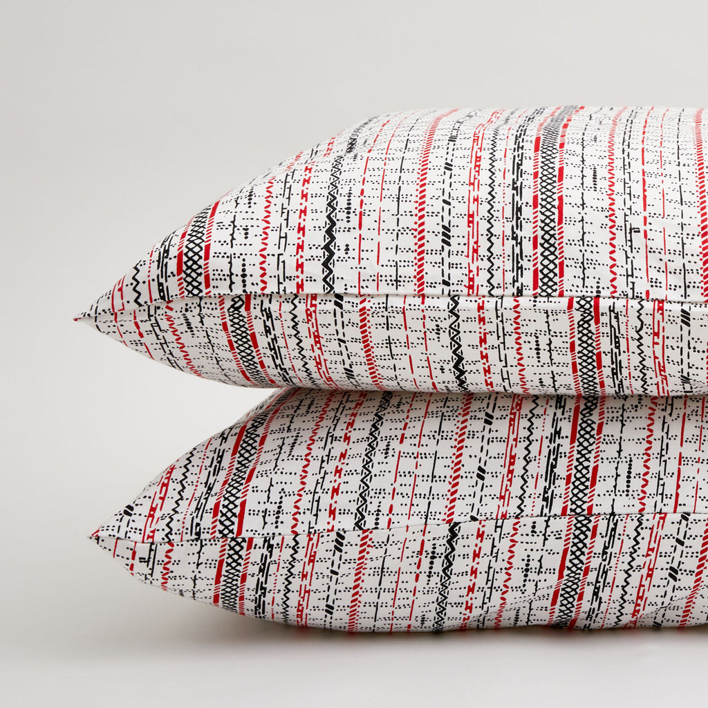 DOTS & LINES PILLOWCASE