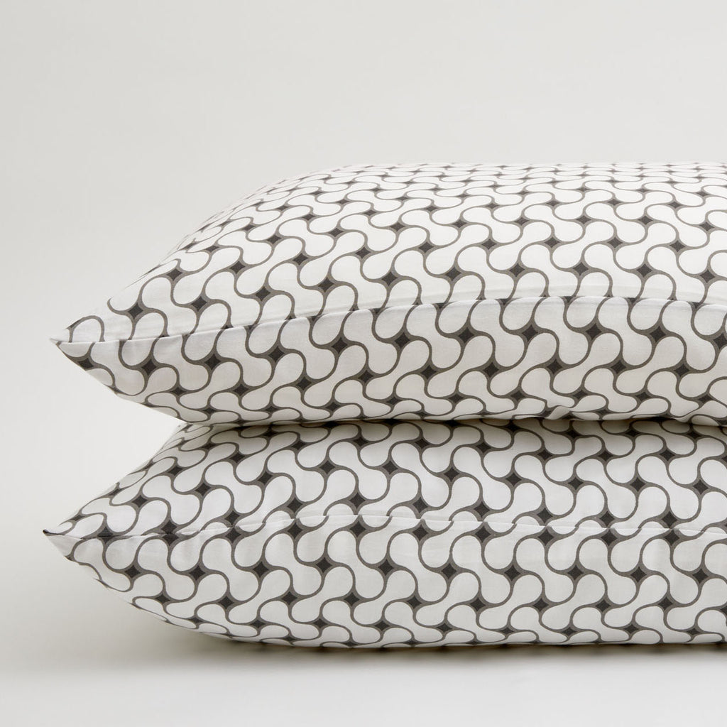 GRAY LATTICE PILLOWCASE