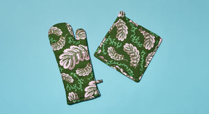PINK LEAVES OVEN MITT & POT HOLDER