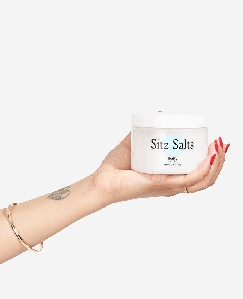 Formulated from organic ingredients with no dyes or preservatives, our epsom salts infused with cucumber, calendula and vitamin E oils reduces inflammation, soothes soreness from vaginal delivery, and smells like a day at the spa. You deserve it.