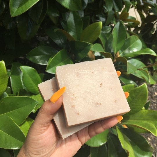 Oatmeal Milk & Honey Soap - Sweet Nectar Beauty