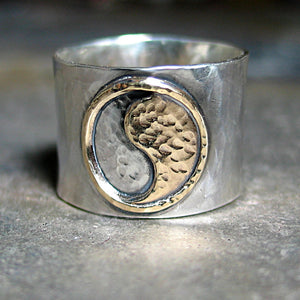 Yin Yang Ring - The Harmony of Balance