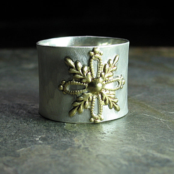 Wide band snowflake ring - Snowfall