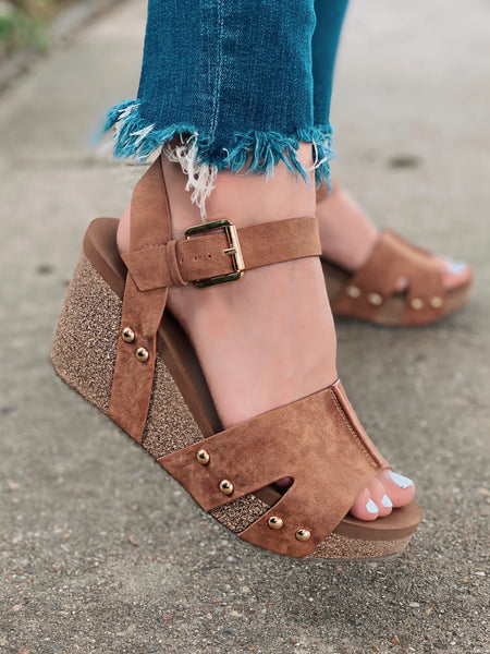 Nekoma Wedges- Tan