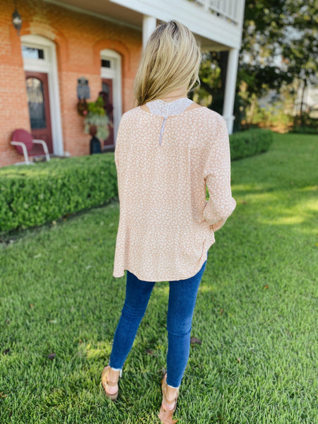 Chic Daisy Top