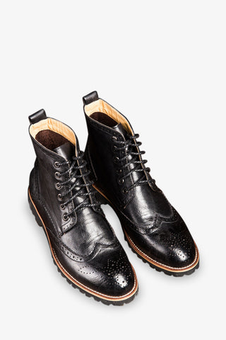 Brogue Boots Laced Up In Black