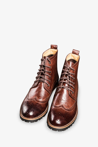 Brogue Boots Laced Up In Brown