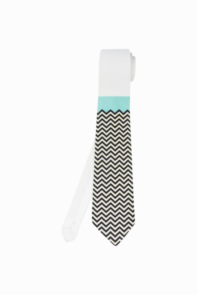 Chevron Tie in White and Black
