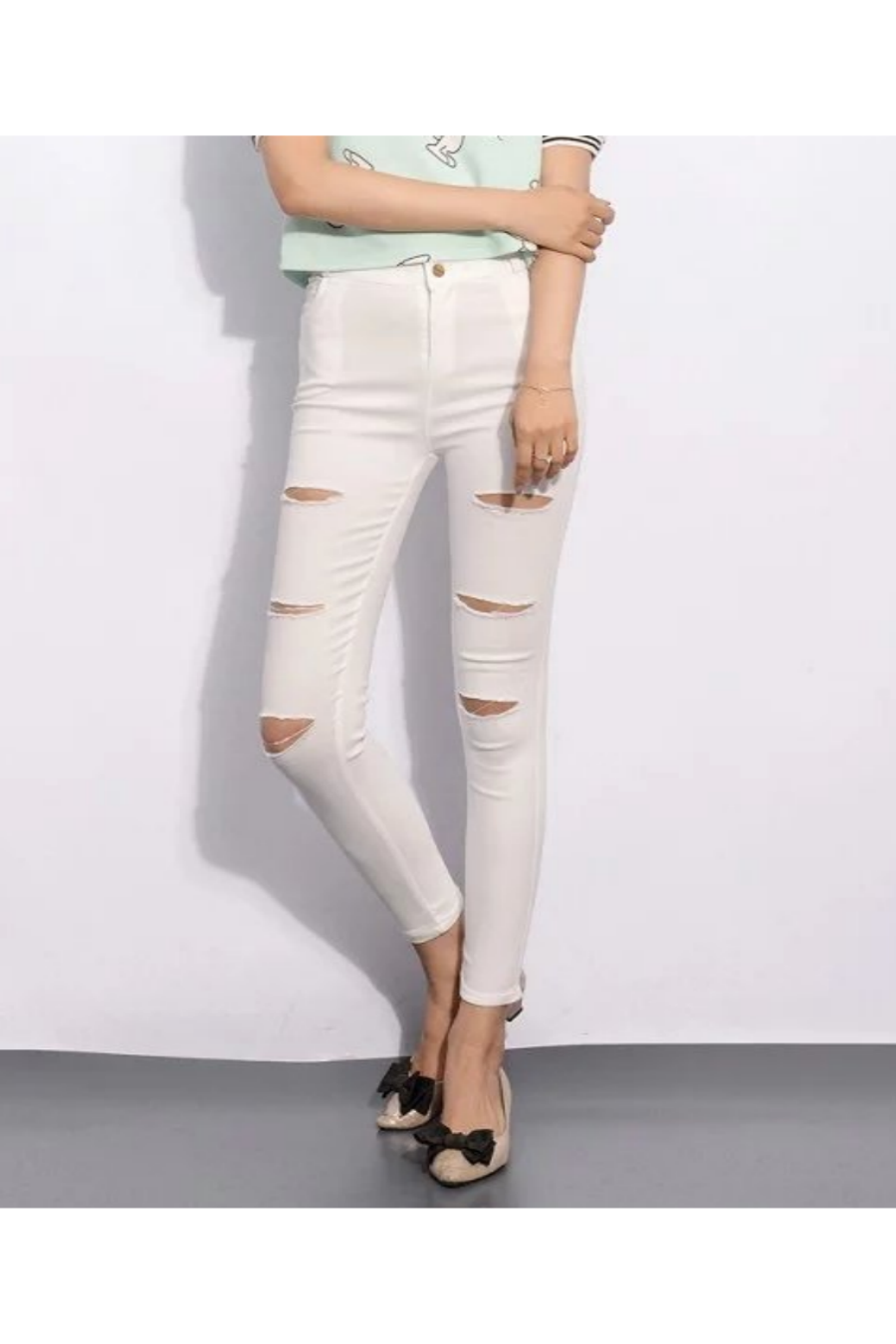 Slimming Ripped Ankle Jeans