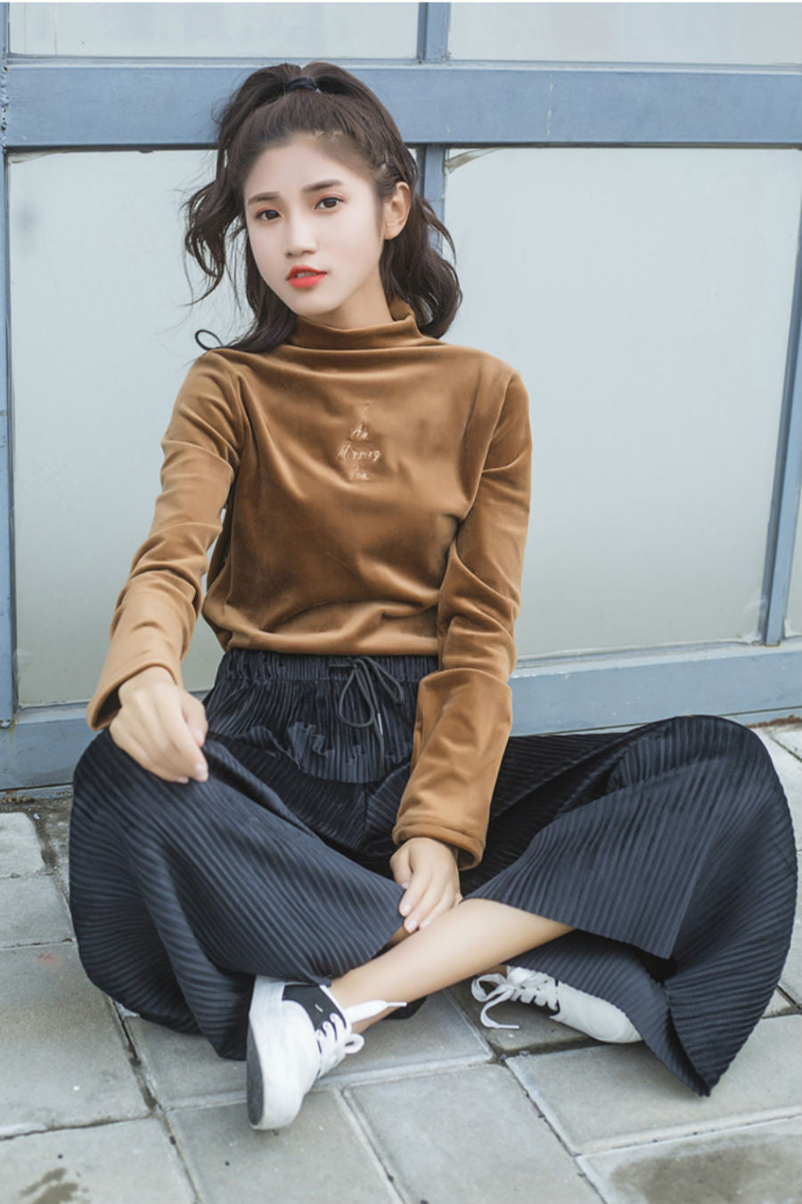 Turtleneck Velvet Slim Top