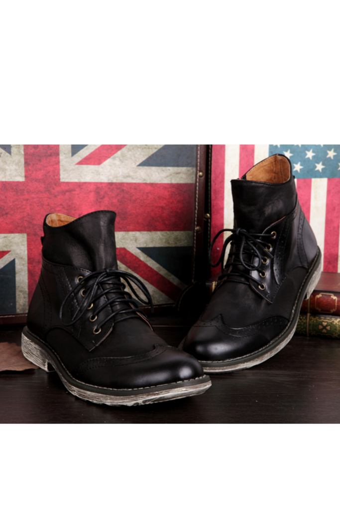 Vintage Lace Up Boots In Black