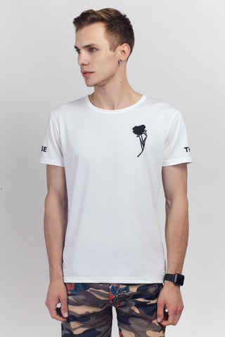 White T-shirt With Rose Embroidery