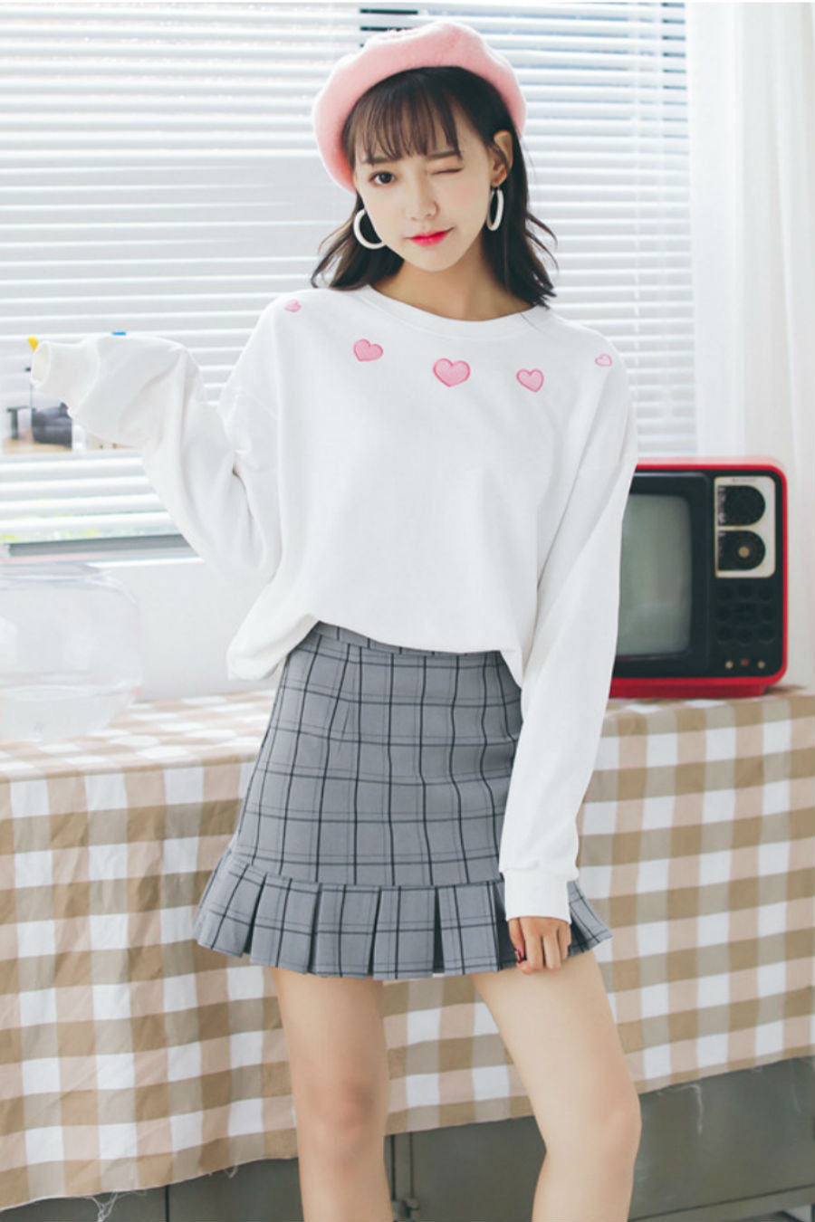 Heart Embroidery Sweatshirt White