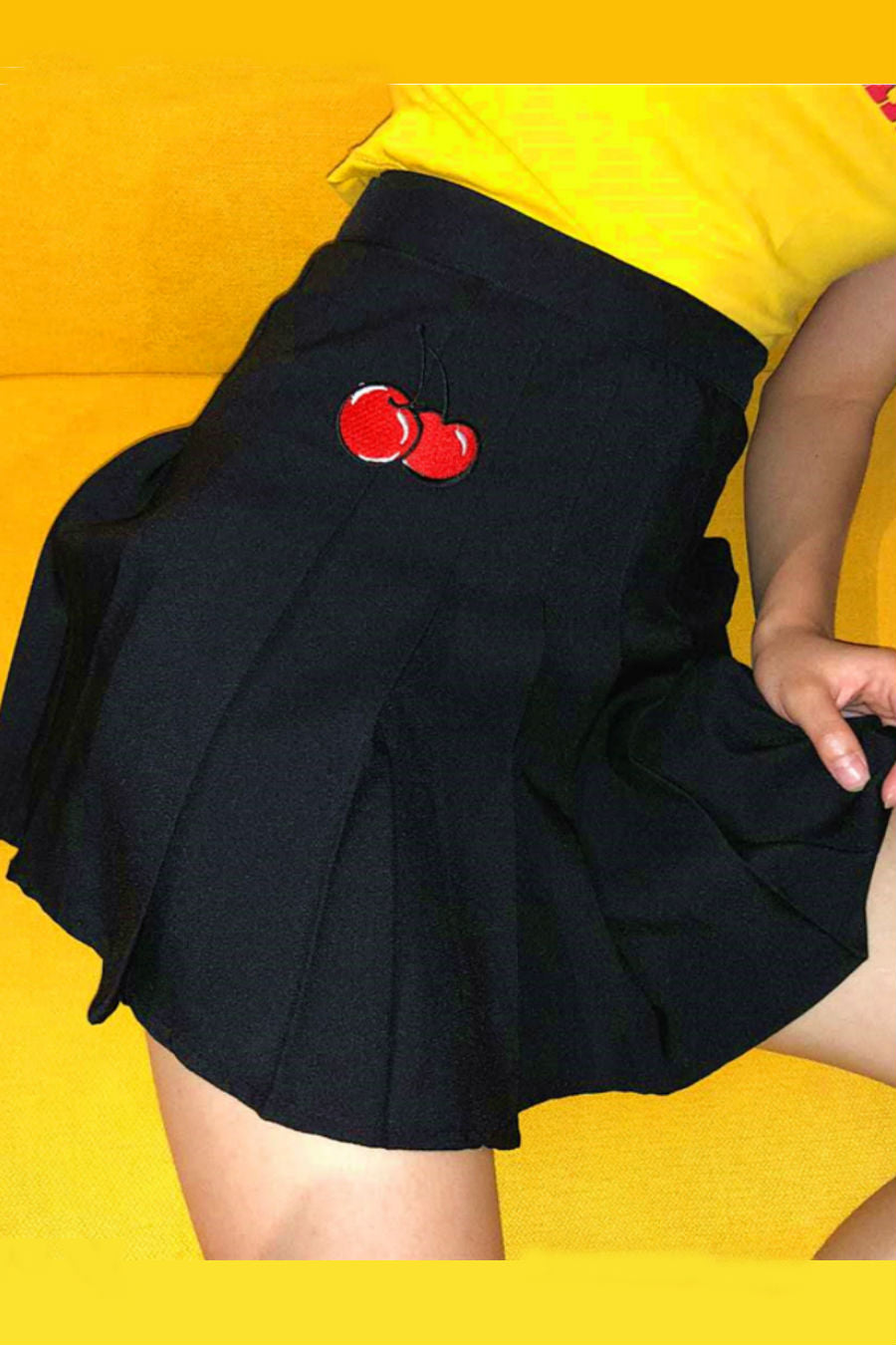 Cherry Embroidery Pleated Skirt