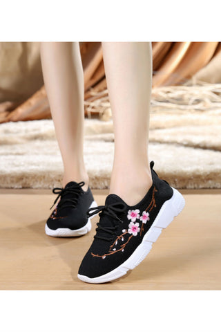 Plum Blossom Black Sneakers