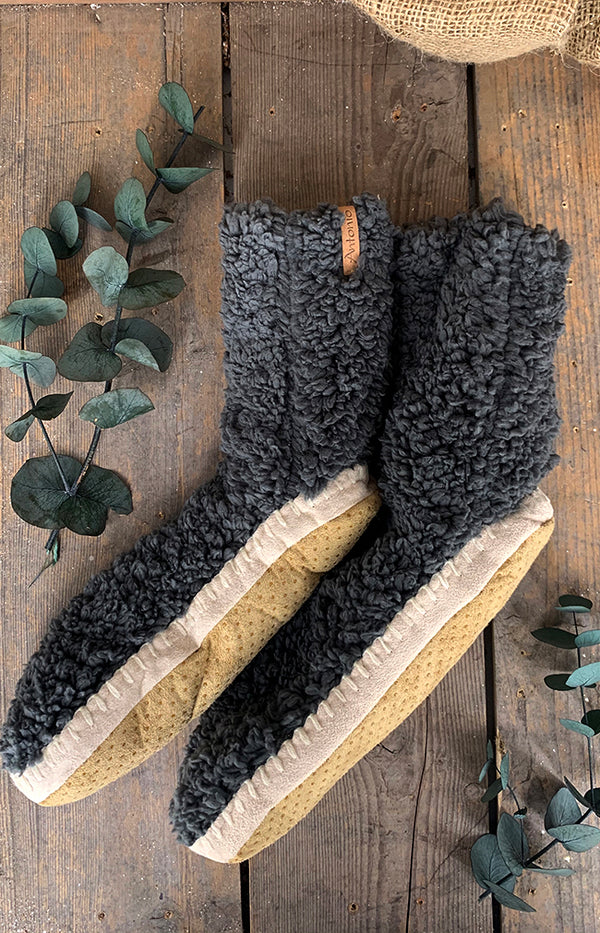 Fluffy Slipper Sock w/ Sole - Charcoal