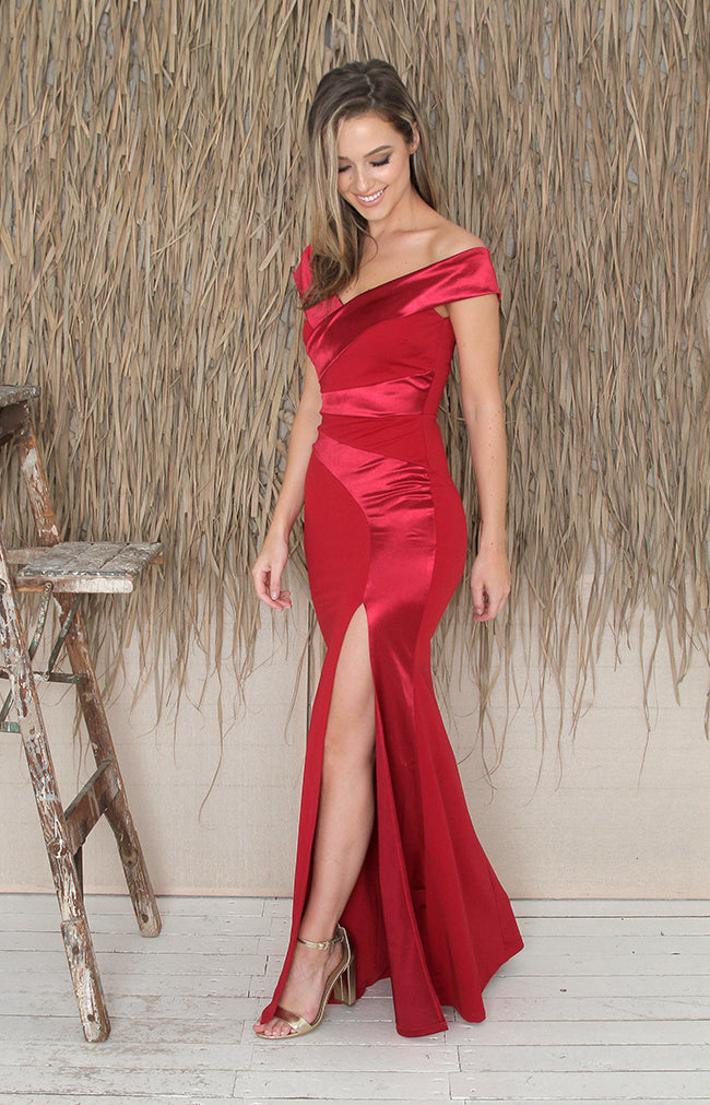 Aviana Gown - Burgundy