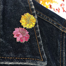 "Load image into Gallery viewer, Flor Amarillo 1"" Pin"