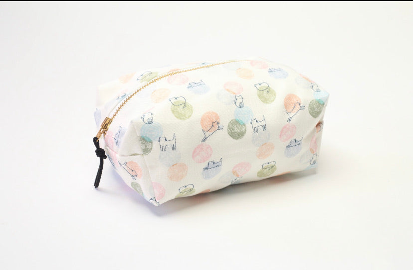 Adventurous Cats Box Bag