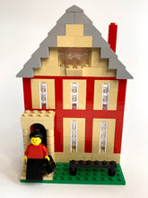 Load image into Gallery viewer, LEGO- Susan B. Anthony & 17 Madison Street