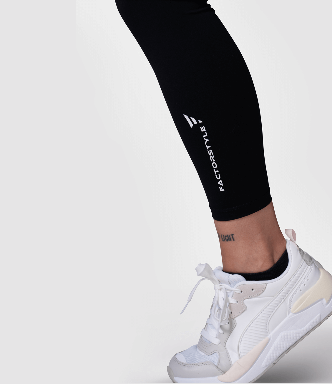 Skin Feeling Leggings Space (Black)