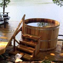 dundalk leisure craft round all-natural red cedar hot tubs available at divine saunas