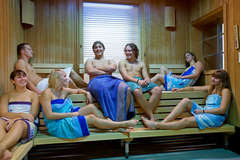 7 people in a large sauna