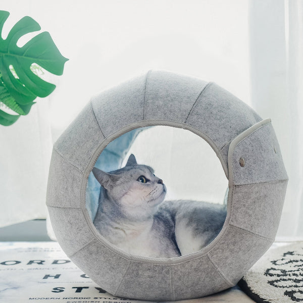 The D.Ball Cat Bed - Blue/Grey - Goldie's the Gold Standard Co.