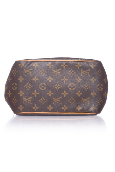 LOUIS VUITTON Monogram Batignolles PM Handbag - bottom view