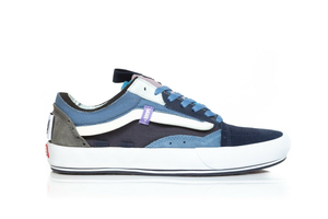 VANS Old Skool Cap Skate Sneakers in Blue