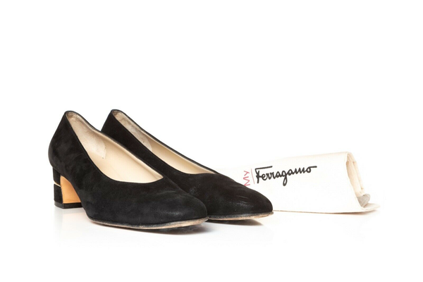 SALVATORE FERRAGAMO Classic Low Heel Pumps with dust bag