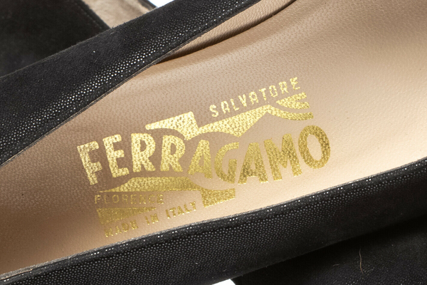 SALVATORE FERRAGAMO Classic Low Heel Pumps - inside view