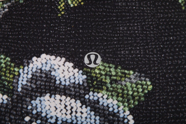 LULULEMON Wunder Under Floral Compression Shorts Size 4