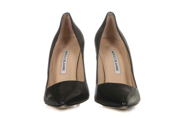 MANOLO BLAHNIK Leather Pointed Toe Classic Pumps Size 38