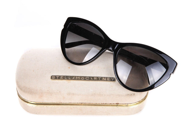 STELLA MCCARTNEY Black Cat Eye Oversized Sunglasses