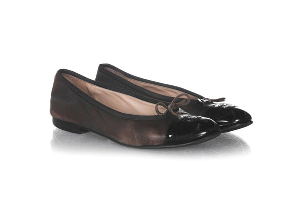 CHANEL Leather Ballet Flats Size 37.5