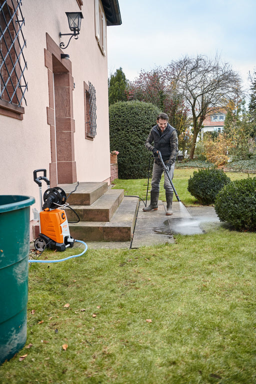 RE 130 pressure washer cleaning drive
