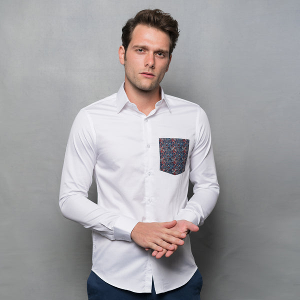 WHITE SHIRT WITH CONTRAST PRINT POCKET