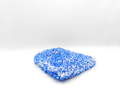 blue microfibre wash mitt on a white background