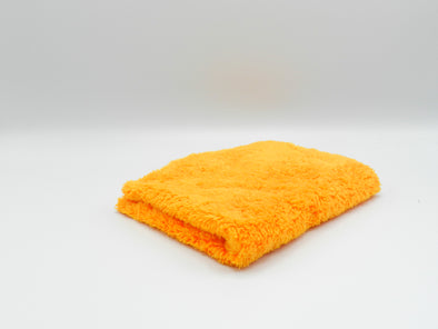 365GSM microfibre cloth on a white background