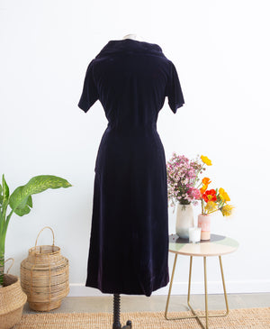 1950s Jacques Fath Midnight Blue Velvet Cocktail Dress, M