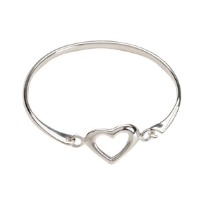 Load image into Gallery viewer, Little Girls Sterling Silver Heart Bangle