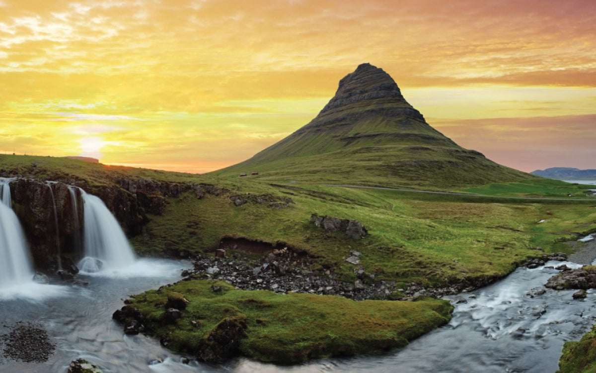 The Best Of Iceland: A Guide to Nordic Style, Restaurants and Culture