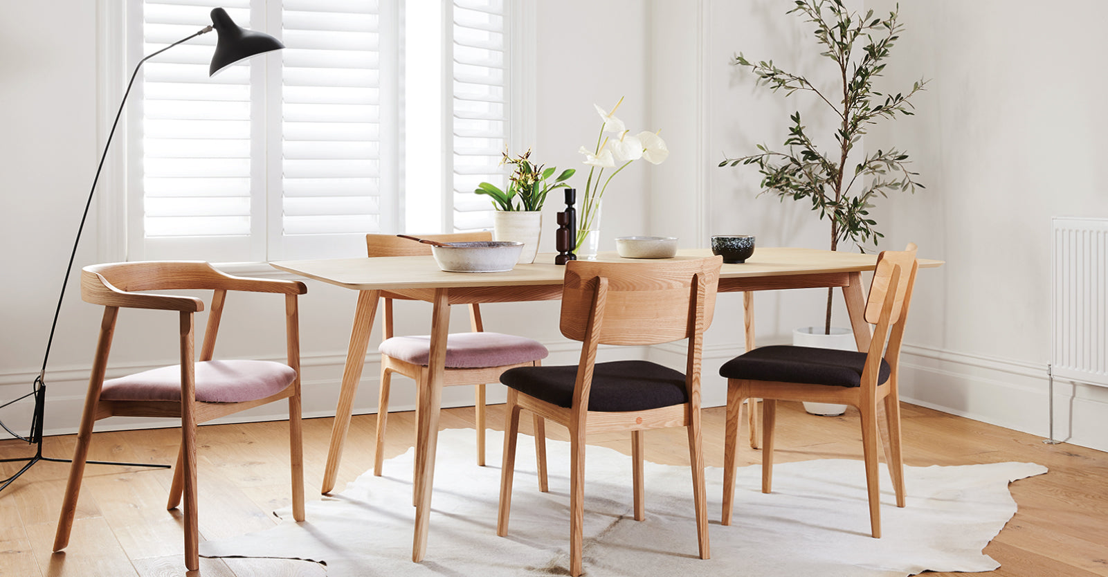 NOFU-DINING-TABLE-CURIOUS-GRACE