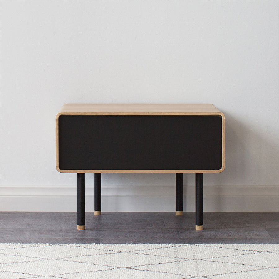 Fina Oak Nightstand - Nero