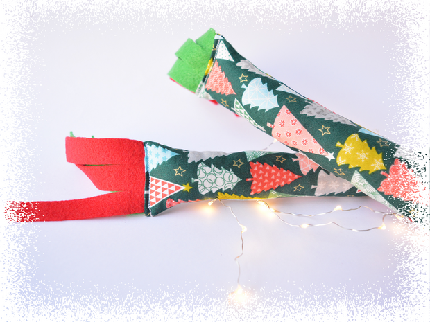 Christmas Cat Kicker - Catnip Kicker - Eco-friendly Cat Toy - Crinkle Cat Toy