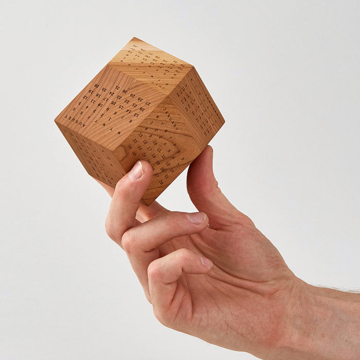 DodeCal - A three dimensional wooden calendar for 2019