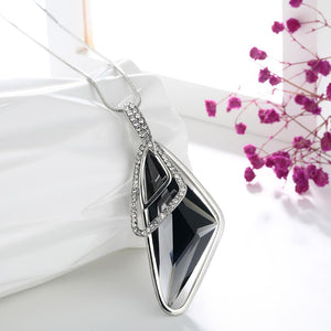 Cool Irregular Triangle Crystal Collier Pendant Verkadi.com