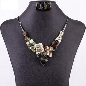 Green Crystal Resin Unique Design Jewelry Set Verkadi.com