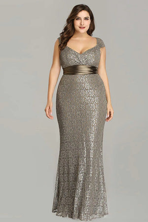 Elegant Plus Size Vintage Mermaid Lace Sleeveless Gown Dress